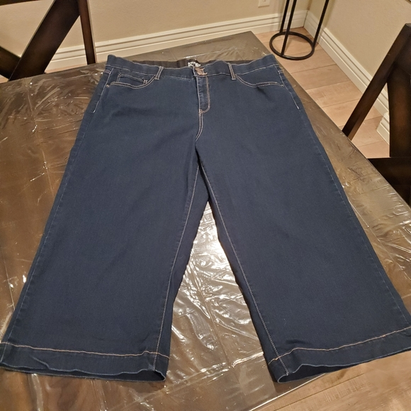 Plus Size Wide Leg Jeans - 22W